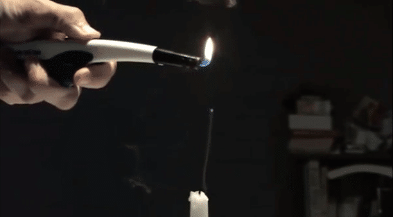 зажечь свечу